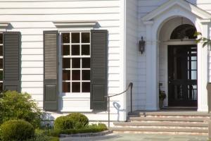 front door vignette